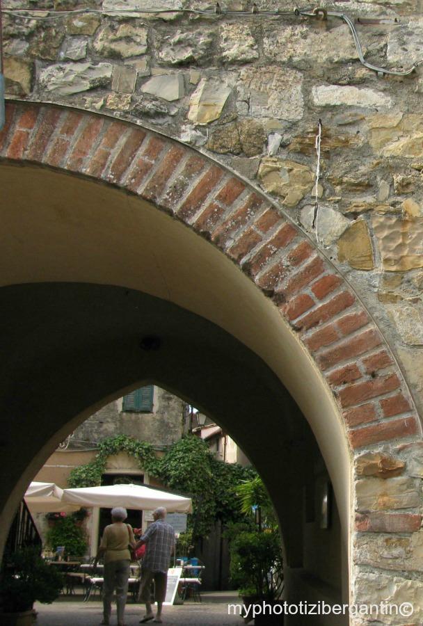 Cervo-arco-entrata-0-photo-by-Tiziana-Bergantin-A400